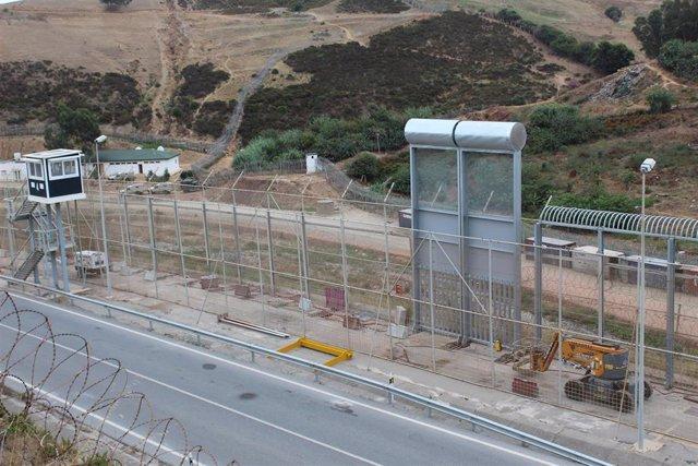 Colocan la primera muestra de la nueva valla fronteriza de Ceuta