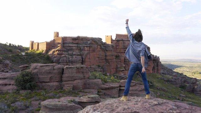 El actor turolense Borja Justo invira a visitar la provincia