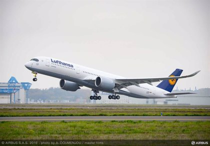 Lufthansa pierde 3.617 millones en el primer semestre, 31 veces más, por la crisis del coronavirus