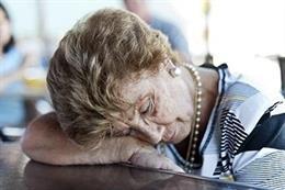 Seis consejos para lograr higiene del sueño en mayores durante el verano