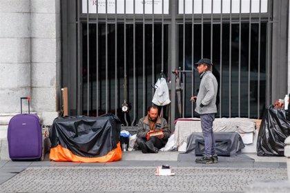 La crisis sanitaria deja a 427 sin hogar en Madrid y se observa una menor presencia en el centro