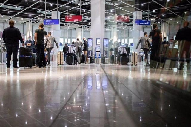 Aeropuerto de Dusseldorf durante la pandemia de coronavirus