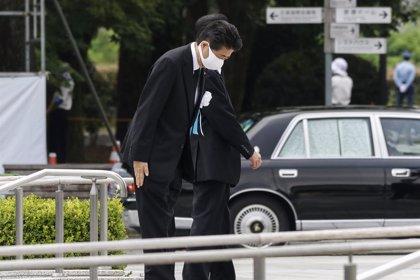 Coronavirus.- Abe defiende que no es necesario volver al estado de emergencia pese al aumento de los contagios en Japón