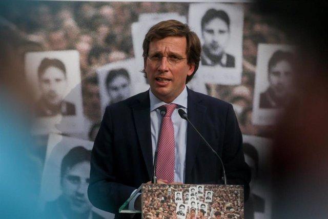 El alcalde de Madrid, José Luis Martínez-Almeida, interviene en el acto de la Fundación Miguel Ángel Blanco en homenaje al edil de Ermua en el 23º aniversario de su asesinato por ETA, en Madrid (España) a 13 de julio de 2020.