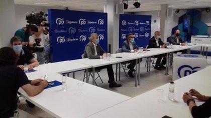 Alcaldes de distintos partidos preparan un manifiesto contra el acuerdo de remanentes de la FEMP