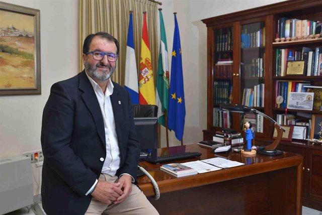 Juan Ávila, alcalde de Carmona, en una imagen de archivo