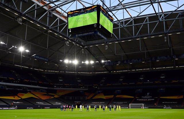 """Fútbol.- La UEFA baraja """"estadios neutrales"""" para algunos partidos de la próxima"""