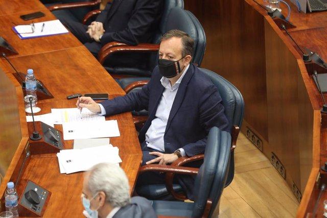El consejero de Políticas Sociales de la Comunidad de Madrid, Alberto Reyero, en la Asamblea de Madrid, en Madrid (España), a 2 de julio de 2020.
