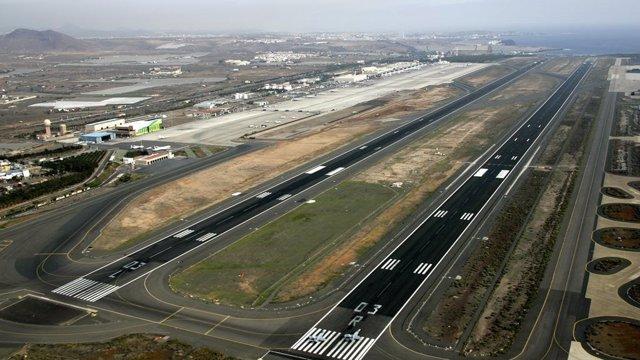 Las dos pistas del aeropuerto de Gran Canaria