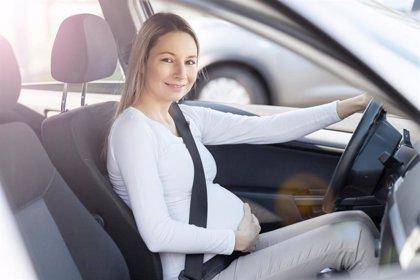 Viajes en el embarazo: ponte el cinturón de seguridad en el coche