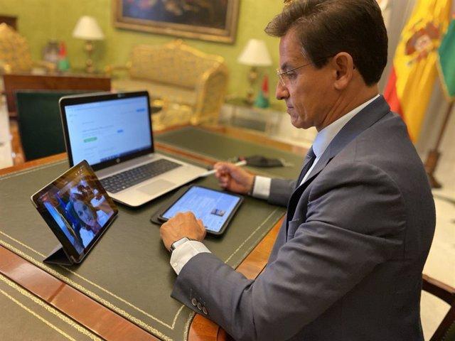 Luis Salvador durante una presentación telemática, en imagen de archivo