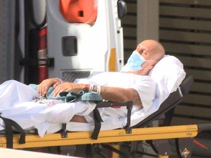 Primeras imágenes de Kiko Matamoros en su traslado de hospital