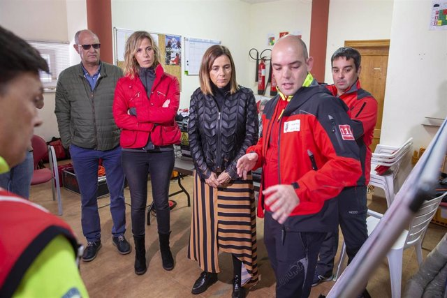 Salen en buen estado los cuatro espeleólogos portugueses atrapados en la cueva cántabra de Coventosa