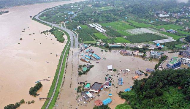 Corea del Sur.- Al menos cuatro muertos por un corrimiento de tierra a causa de