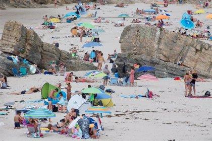 """El sector turístico advierte de que """"la amenaza de rebrotes puede dar al traste"""" con las buenas previsiones de agosto"""