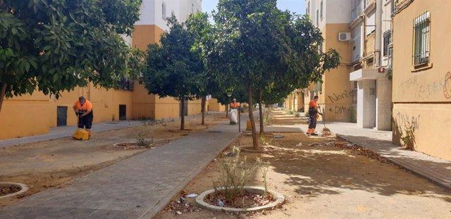 Ayuntamiento ejecuta una nueva fase del plan de mejora del hábitat urbano en Las Letanías y Antonio Machado