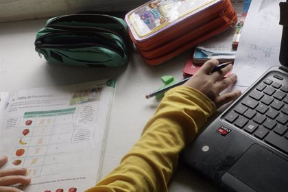 Las becas y ayudas al estudio del próximo curso contarán con un presupuesto de 1.900 millones, un 22% más