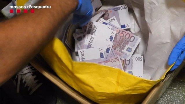 Un detingut a Malgrat de Mar (Barcelona) per presumptament estafar 20.000 euros