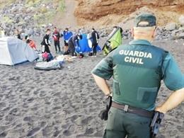 Desalojan a 62 campistas en la playa de Los Patos