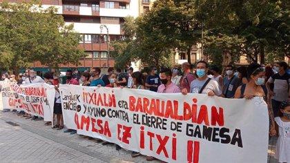 Los trabajadores de Gamesa de Aoiz aprueban el acuerdo para el cierre de la planta