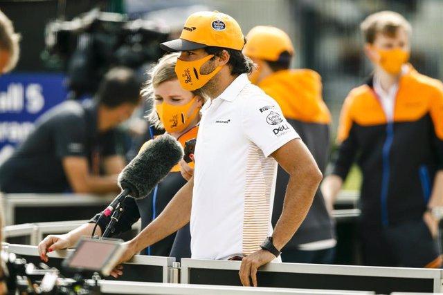 El piloto español Carlos Sainz (McLaren) en Silverstone