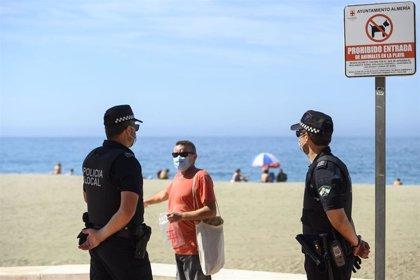 Continúa el refuerzo de Policía Local de Almería para control de aforos, uso de mascarilla y distancia de seguridad
