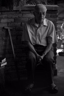 Pere Casaldàliga en una fotografía de Joan Guerrero en Brasil, incluída en la exposición de Casa Amèrica Catalunya 'Pere Casaldàliga, de professió l'esperança'