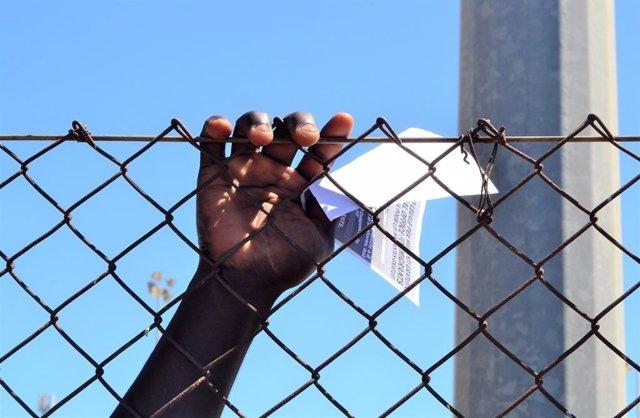 "México, Balcanes, Grecia, Libia, Marruecos o el Mediterráneo, muros que ""bloquea"