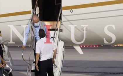 Publican una foto del Rey Juan Carlos el lunes en el aeropuerto de Abu Dabi