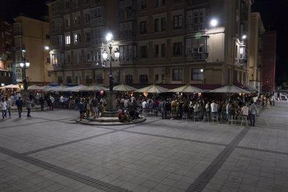 """'Apagón' en los bares de Cañadío para pedir al Gobierno que """"dé marcha atrás"""" en la hora de cierre impuesta"""