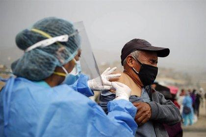 Perú avanza hacia los 500.000 casos acumulados por la COVID-19 y se acerca a las 21.000 muertes