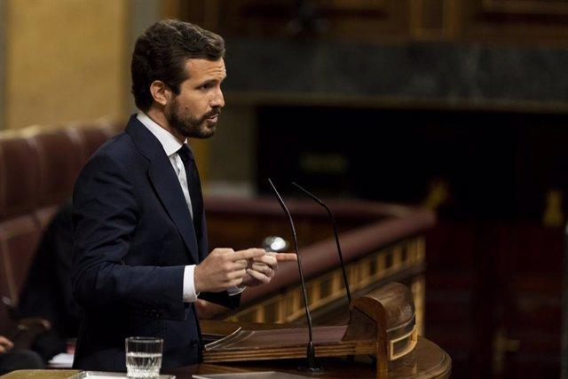 Casado defiende el legado de Juan Carlos y dice que el debate sobre la monarquía