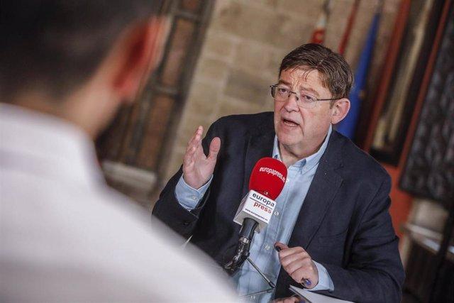 El presidente de la Generalitat Valenciana, Ximo Puig, durante una entrevista para Europa Press en el Palacio de la Generalitat Valenciana, en Valencia, Comunidad Valenciana (España) a 7 de agosto de 2020.
