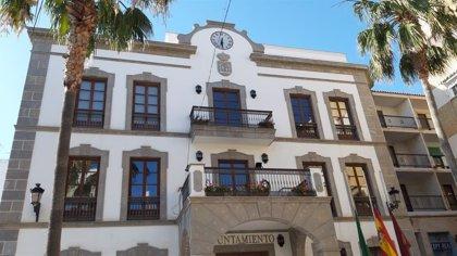 Cierran la atención al público del Ayuntamiento de Adra (Almería) tras dar positivo en Covid-19 un empleado