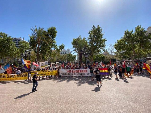 """Valencia.- Una concentración reivindica que """"es el momento"""" de """"poder elegir lib"""