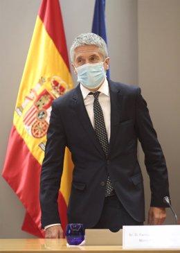 El ministro del Interior, Fernando Grande-Marlaska, antes de presentar el informe sobre delitos de seguridad vial y su incidencia en el ámbito penitenciario,  en la sede de la DGT, en Madrid (España), a 27 de julio de 2020.