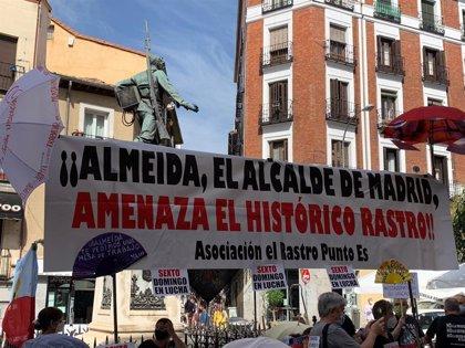 Los comerciantes del Rastro cumplen un mes de protestas e insisten en crear una mesa de trabajo con el Ayuntamiento