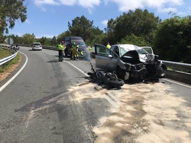 Estado en el que quedaron los vehículos implicados en un accidente con un fallecido en Dumbría (A Coruña)