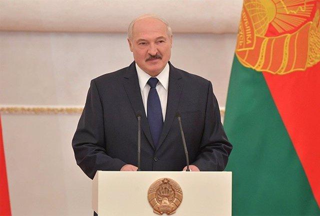 Bielorrusia.- Encuestas a pie de urna conceden a Lukaskenko una amplia victoria