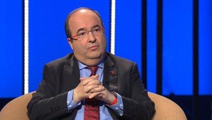 Iceta (PSC) defiende mantener la monarquía pese a posibles irregularidades de Juan Carlos I