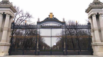 El Retiro y otros ocho parques de Madrid restringen a mediodía accesos a zonas infantiles y de mayores por fuerte viento