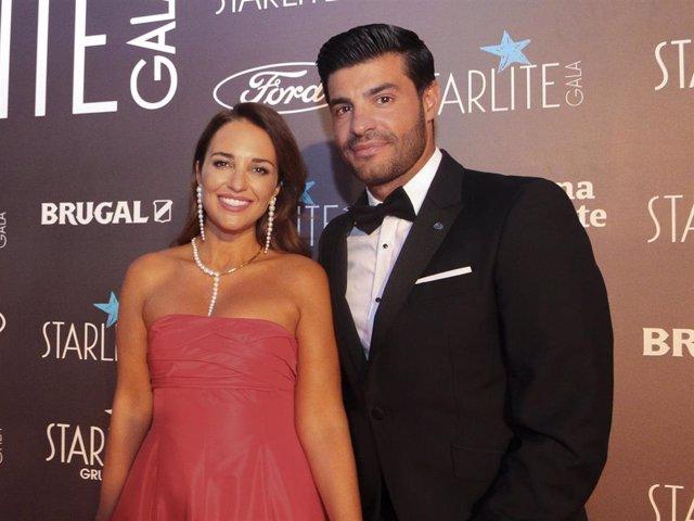 Paula Echevarría y Miguel Torres posan felices en la Gala Starlite