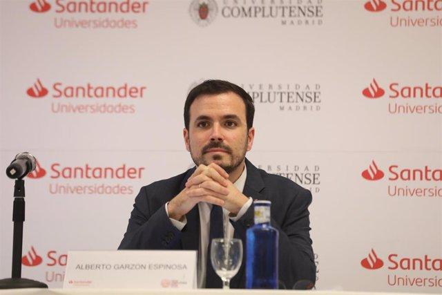 El ministro de Consumo, Alberto Garzón, durante una ponencia en los Cursos de Verano de la Universidad Complutense en San Lorenzo de El Escorial (Madrid), el 20 de julio de 2020.