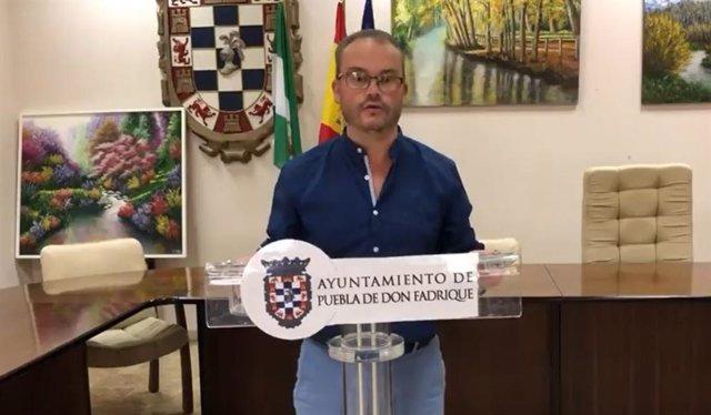 Imagen del vídeo emitido por el alcalde de la Puebla, Mariano García, ante el brote de coronavirus