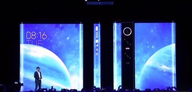 Xiaomi presentado su nuevo 'smartphone' Mi Mix Alpha en un evento en Shangai (China)