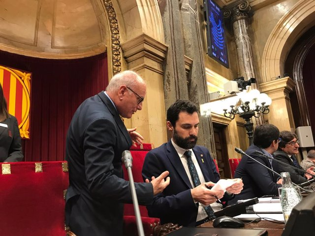 El secretario del Parlament excluye del Bopc pasajes de resoluciones aprobadas s