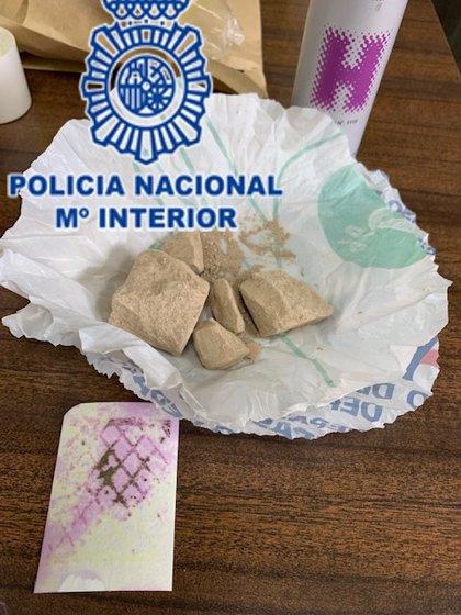 Desmantelado un punto de venta de heroína en El Llano (Gijón)