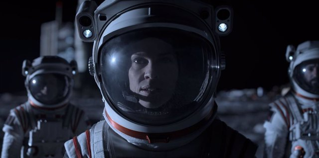 Nuevo tráiler de Away: El viaje de Hilary Swank a Marte llega el 4 de septiembre a Netflix