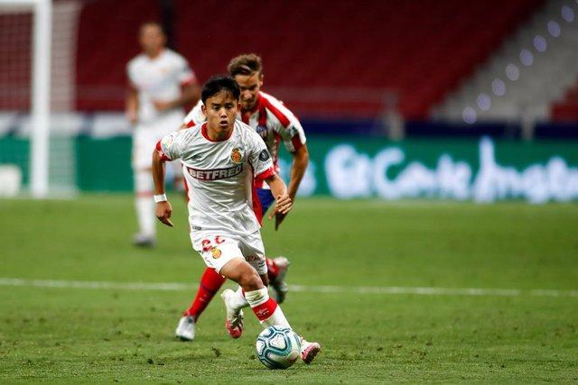 Fútbol.- El Real Madrid cede una temporada al centrocampista japonés Takefusa Ku