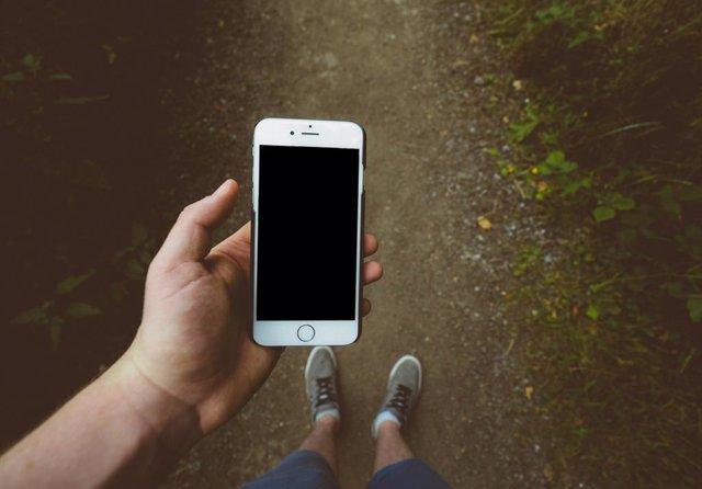 Más de 500 apps envían la ubicación de cientos de millones de personas a una emp